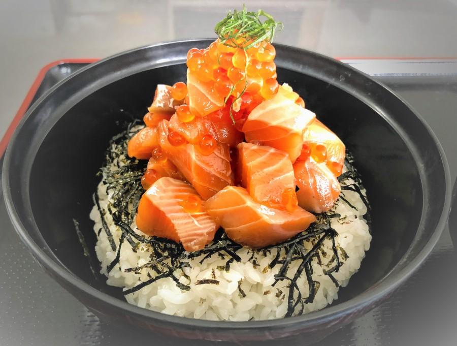 秋鮭の漬け親子丼!!!販売開始!